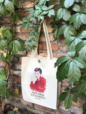 Audrey Hepburn - Ham Bez Çanta